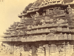 Close view of left half of west façade and roof of the mandapa of the Surya Temple or Black Pagoda, Konarka 1003346